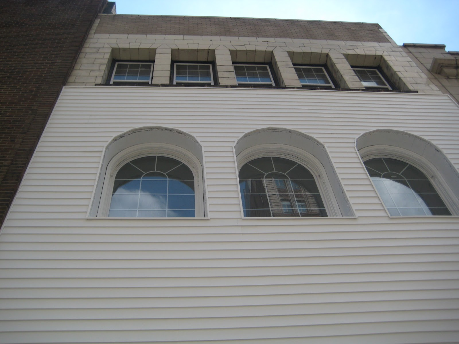 Roofing Window Replacement And Vinyl Siding Contractor