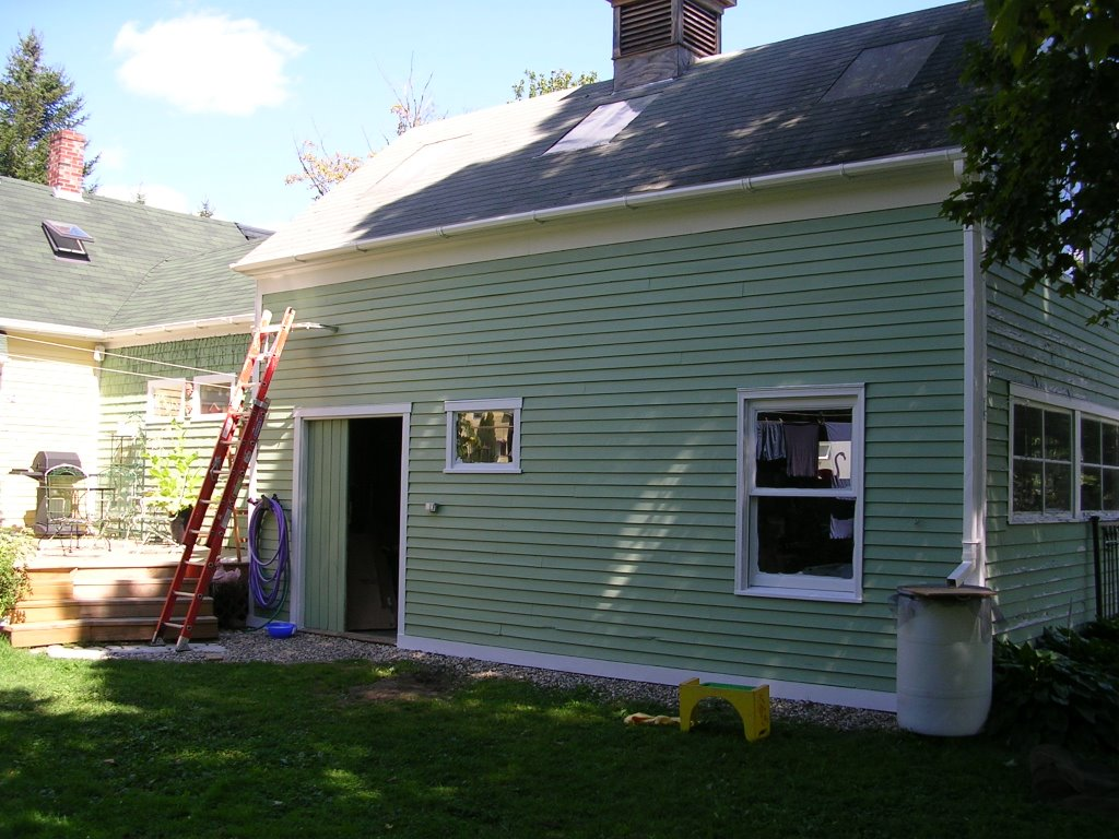 3 Tips For Properly Maintaining Your Vinyl Siding