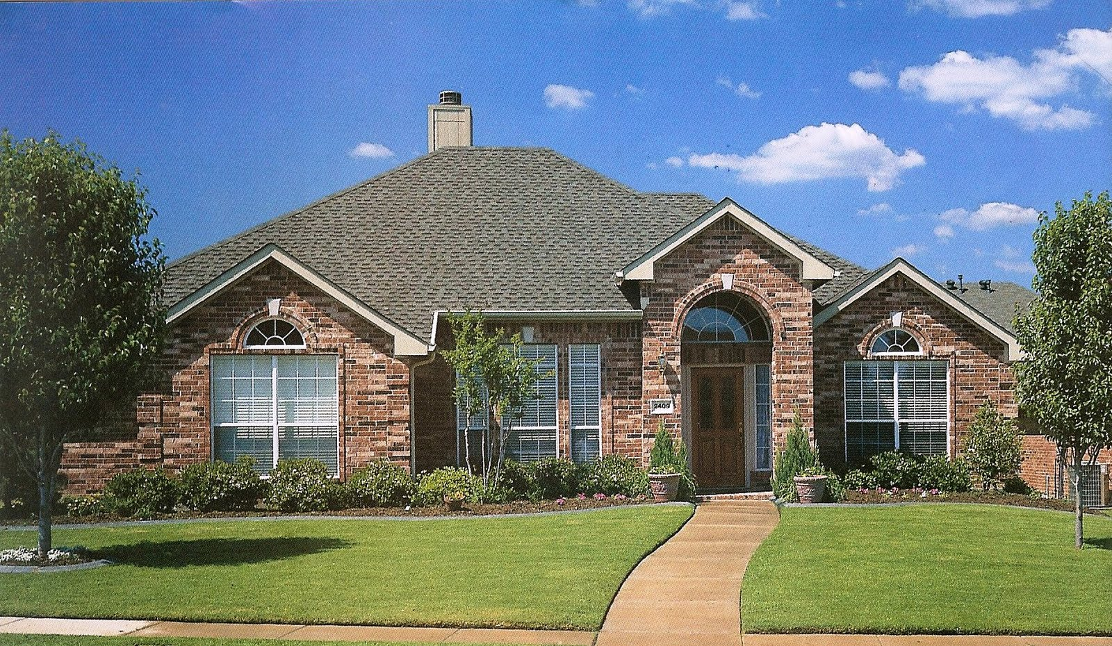 Virginia roofing siding company composite shingle for Nice house picture